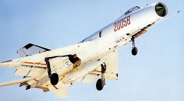 F 8 (戦闘機)の画像 p1_14