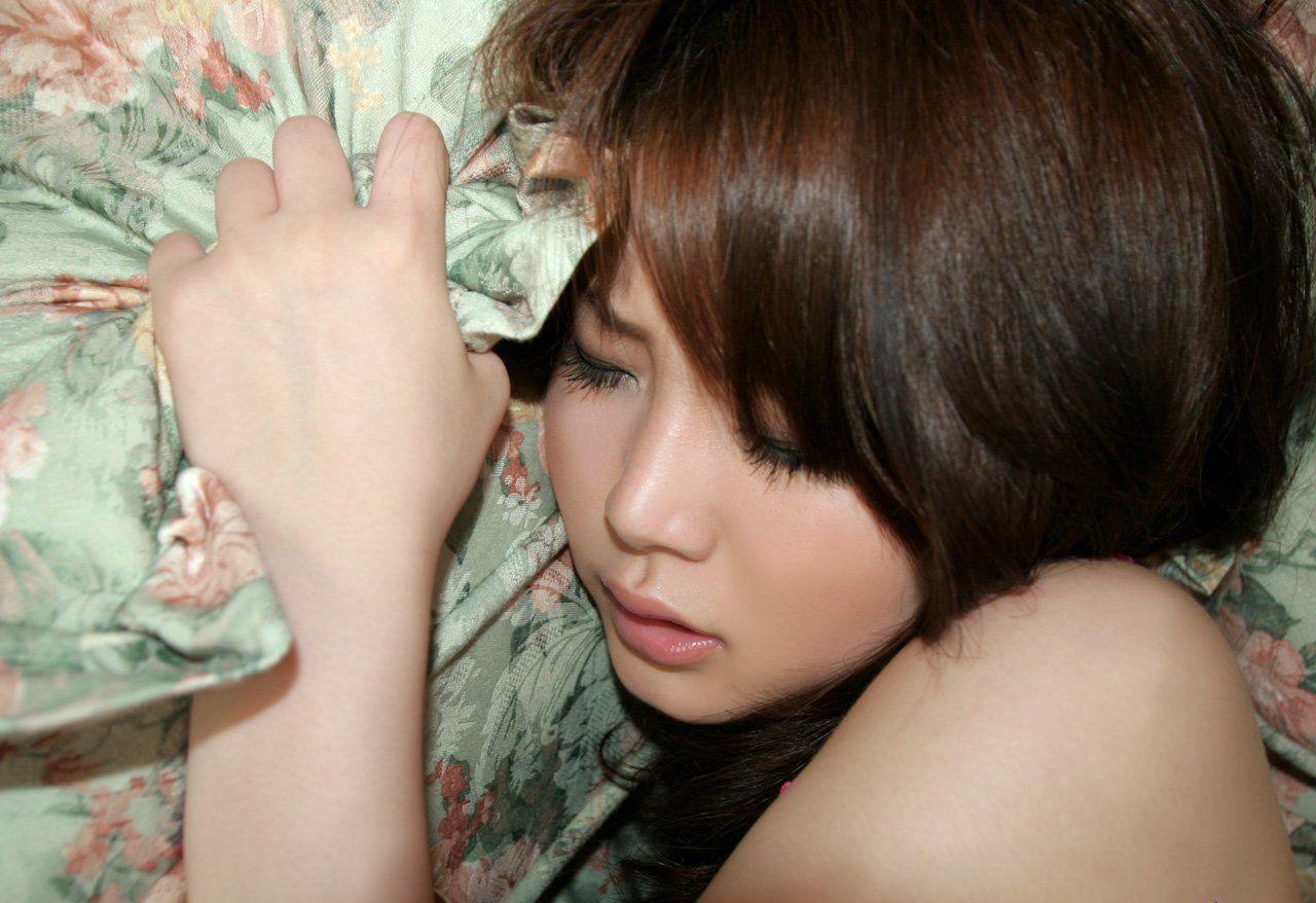 Симпатичные азиаточки испытывают струйные оргазмы 19 фотография